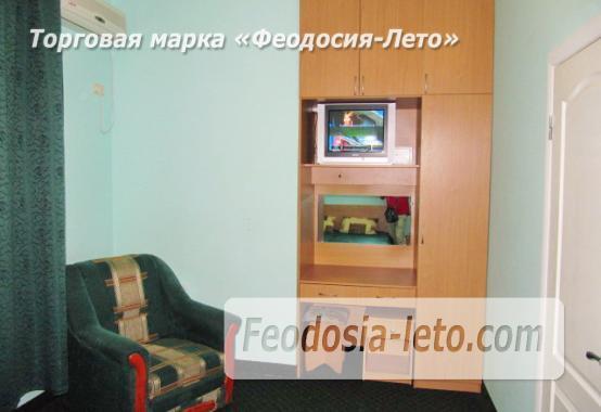 Роскошный гостевой дом с бассейном в Феодосии на улице Куйбышева - фотография № 22