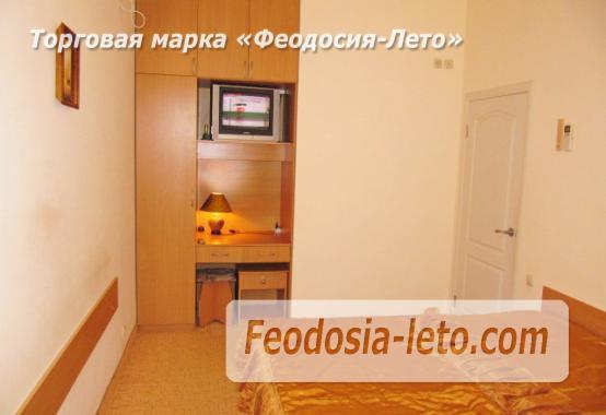Роскошный гостевой дом с бассейном в Феодосии на улице Куйбышева - фотография № 29