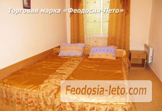 Роскошный гостевой дом с бассейном в Феодосии на улице Куйбышева - фотография № 30