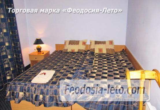 Роскошный гостевой дом с бассейном в Феодосии на улице Куйбышева - фотография № 32
