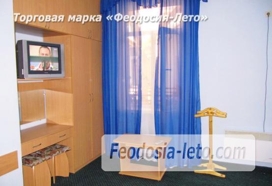 Роскошный гостевой дом с бассейном в Феодосии на улице Куйбышева - фотография № 34