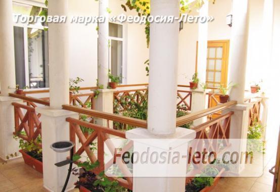 Роскошный гостевой дом с бассейном в Феодосии на улице Куйбышева - фотография № 6
