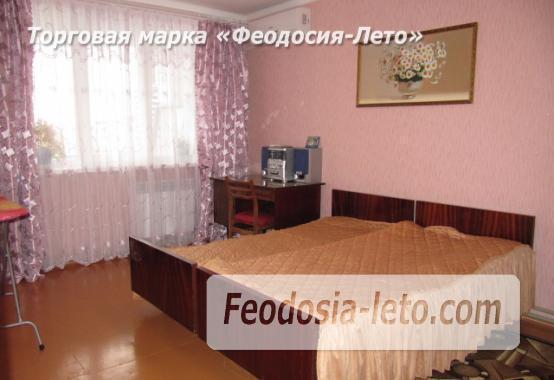 2 комнатная квартира с кондиционером на улице Дружбы, 36 в г. Феодосия - фотография № 2