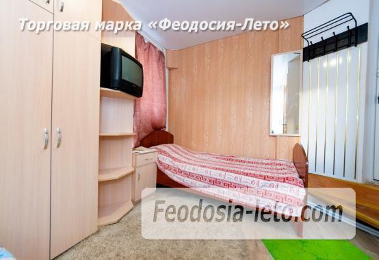 C душем и туалетом комната в Феодосии недорого - фотография № 1