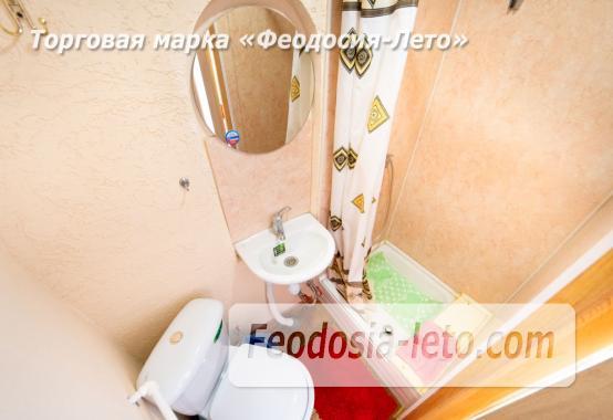 C душем и туалетом комната в Феодосии недорого - фотография № 3