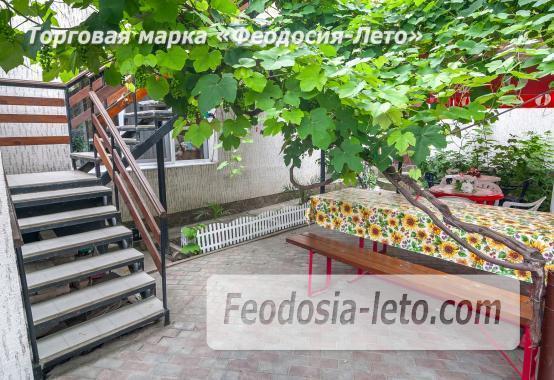 Частный отель в Феодосии рядом со стадионом, улица Чкалова - фотография № 20
