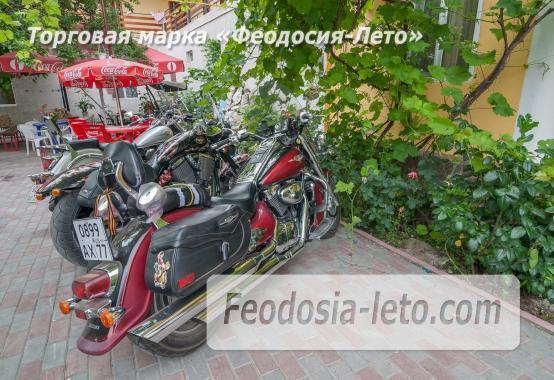Частный отель в Феодосии рядом со стадионом, улица Чкалова - фотография № 4