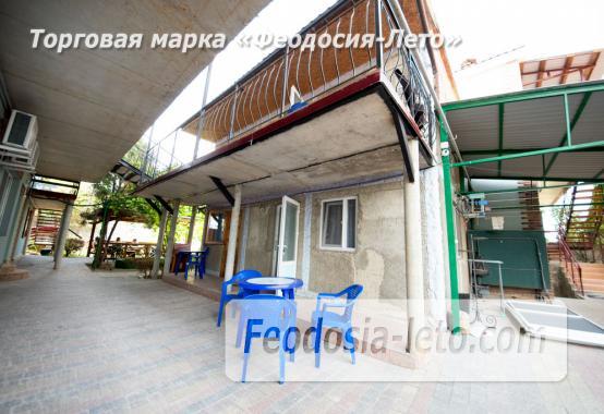 Частный сектор в Феодосии на берегу моря - фотография № 14