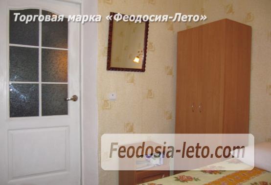 Частный сектор в Феодосии, Ближние камыши на улице Проездная - фотография № 18