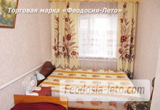 Частный сектор в Феодосии, Ближние камыши на улице Проездная - фотография № 20