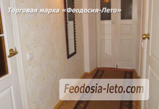 Частный сектор в Феодосии, Ближние камыши на улице Проездная - фотография № 11