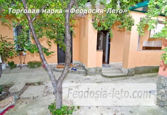 Частный сектор в Феодосии на улице Луначарского - фотография № 6