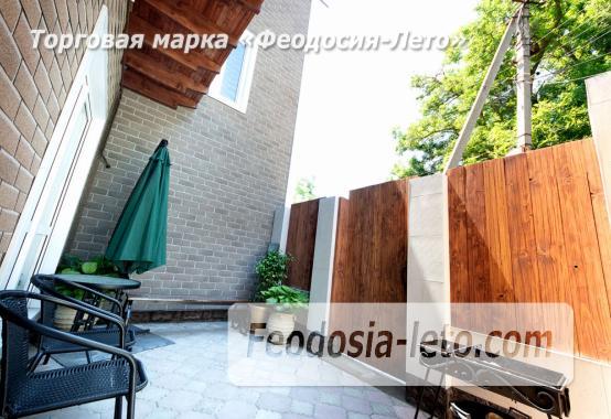Дом у моря в Феодосии на Черноморской набережной - фотография № 2