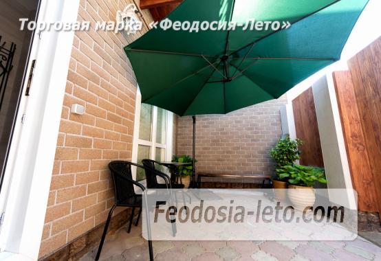 Дом у моря в Феодосии на Черноморской набережной - фотография № 3