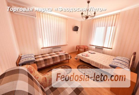 Дом отдыха в Феодосии напротив Черноморской набережной на улице Федько - фотография № 5