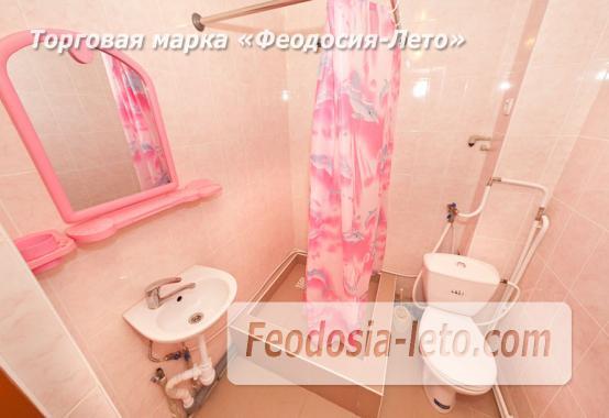 Дом отдыха в Феодосии напротив Черноморской набережной на улице Федько - фотография № 6