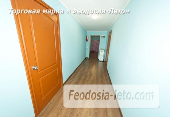 Дом отдыха в Феодосии напротив Черноморской набережной на улице Федько - фотография № 16