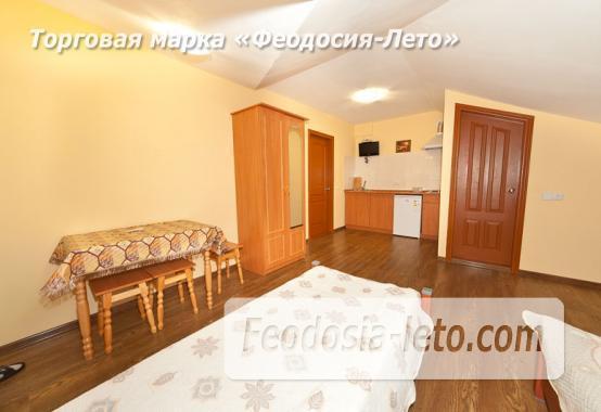 Дом отдыха в Феодосии напротив Черноморской набережной на улице Федько - фотография № 17
