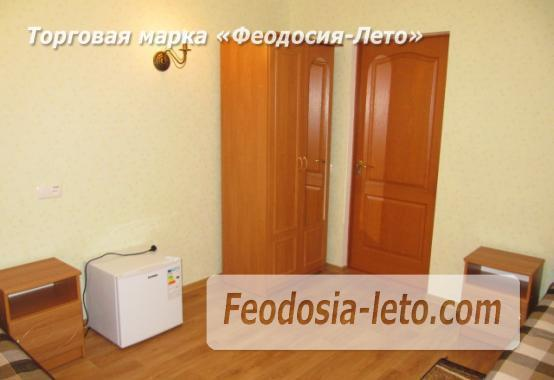Дом отдыха в Феодосии напротив Черноморской набережной на улице Федько - фотография № 21