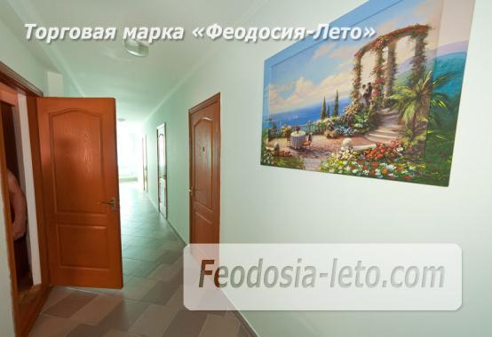 Дом отдыха в Феодосии напротив Черноморской набережной на улице Федько - фотография № 9