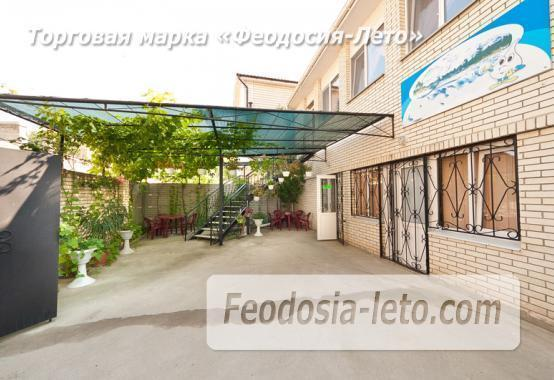 Дом отдыха в Феодосии напротив Черноморской набережной на улице Федько - фотография № 11