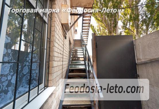 Дом отдыха в Феодосии напротив Черноморской набережной на улице Федько - фотография № 14