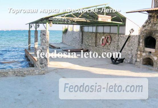 Эллинги в Феодосии рядом с Генуэзской крепостью - фотография № 4