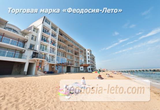 Эллинг на берегу моря на Золотом пляже в Феодосии - фотография № 24