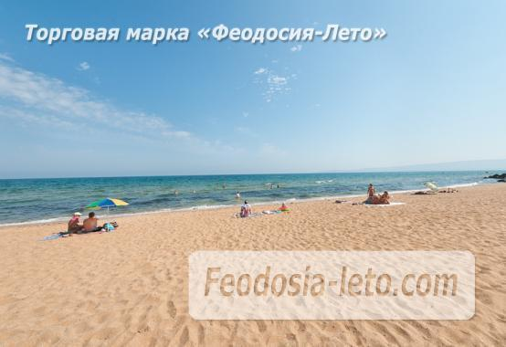 Эллинг на берегу моря на Золотом пляже в Феодосии - фотография № 25