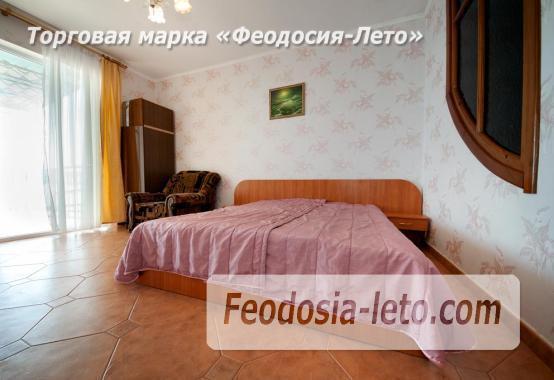 Феодосия эллинг с кухней в номерах на Черноморской набережной - фотография № 5