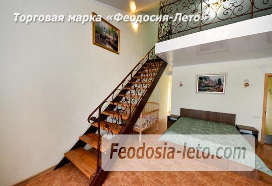 С кухней на берегу моря эллинг в Феодосии с видом на море из 3-х комнат - фотография № 10