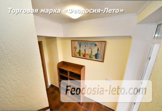 С кухней на берегу моря эллинг в Феодосии с видом на море из 3-х комнат - фотография № 20