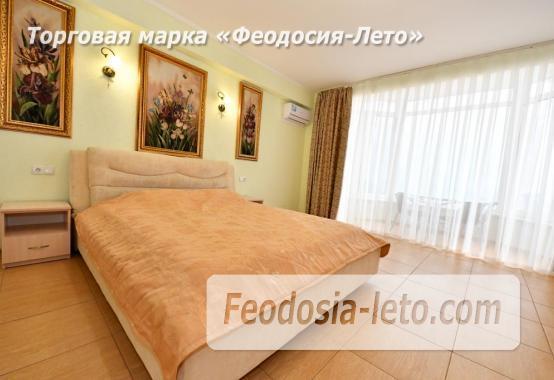 С кухней на берегу моря эллинг в Феодосии с видом на море из 3-х комнат - фотография № 4