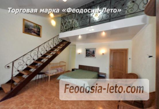 С кухней на берегу моря эллинг в Феодосии с видом на море из 3-х комнат - фотография № 6