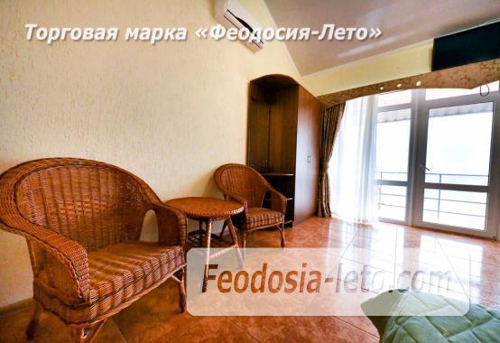 С кухней на берегу моря эллинг в Феодосии с видом на море из 3-х комнат - фотография № 13