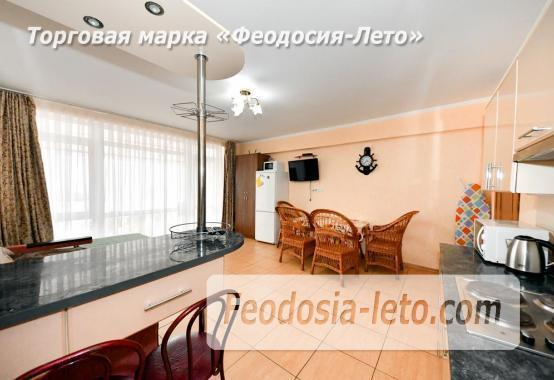 С кухней на берегу моря эллинг в Феодосии с видом на море из 3-х комнат - фотография № 16