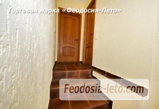 С кухней на берегу моря эллинг в Феодосии с видом на море из 3-х комнат - фотография № 18