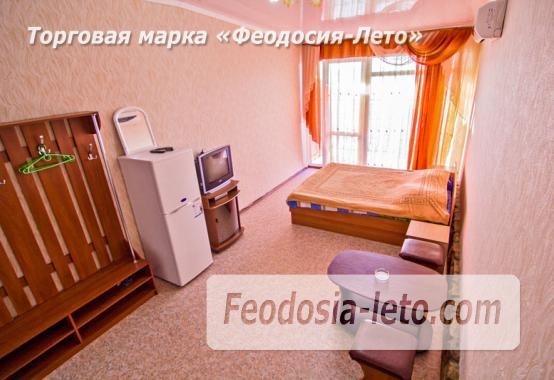 Эллинг в Феодосии с видом на море - фотография № 12