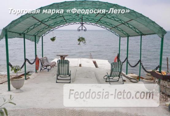 Эллинг на мысе Ильи в Феодосии на берегу моря - фотография № 1