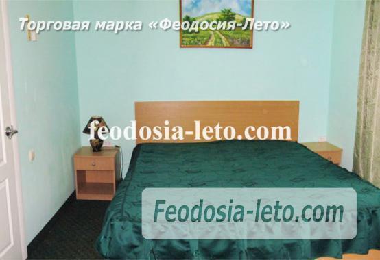Гостевой дом в Феодосии с бассейном - фотография № 2