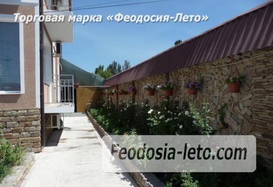 Гостевой дом с детской площадкой у моря на улице Строительная в Феодосии - фотография № 16