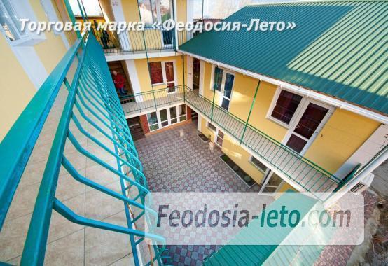 Гостевой дом в Феодосии на берегу моря, улица Пушкина - фотография № 2