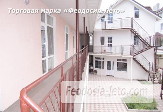 Гостиница на берегу моря в Феодосии по переулку Танкистов - фотография № 3