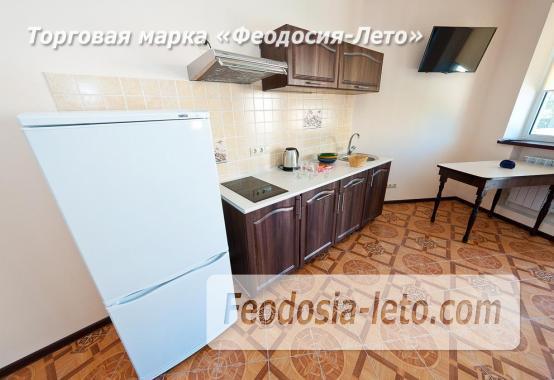 Гостиница в г. Феодосия в Крыму на улице Семашко, номера с кухней - фотография № 3