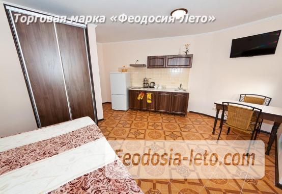 Гостиница в г. Феодосия в Крыму на улице Семашко, номера с кухней - фотография № 15