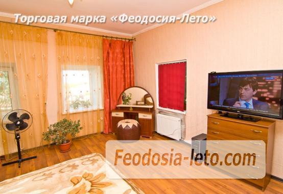 Гостиница с бассейном в Феодосии на улице Большевистская - фотография № 2