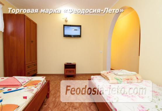 Гостиница с бассейном в Феодосии на улице Дружбы - фотография № 15