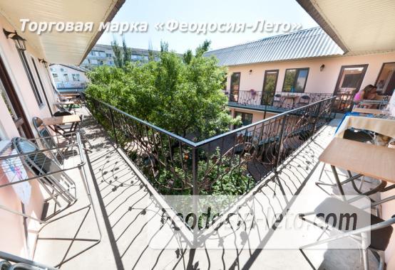 Гостиница с бассейном на улице Дружбы в Феодосии - фотография № 5