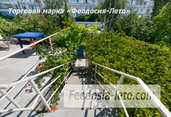 Гостиница с бассейном на улице Дружбы в Феодосии - фотография № 12