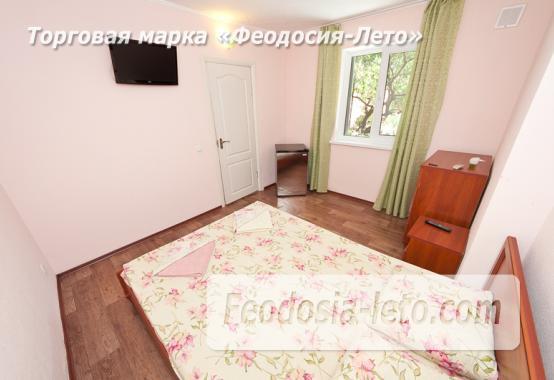 Гостиница с бассейном на улице Дружбы в Феодосии - фотография № 15